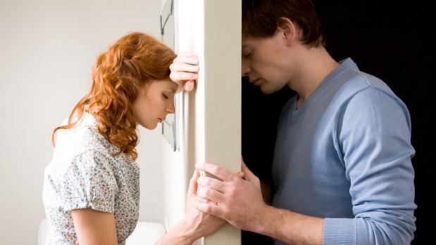 O-que-você-deve-fazer-quando-o-seu-namorado-ficar-distante